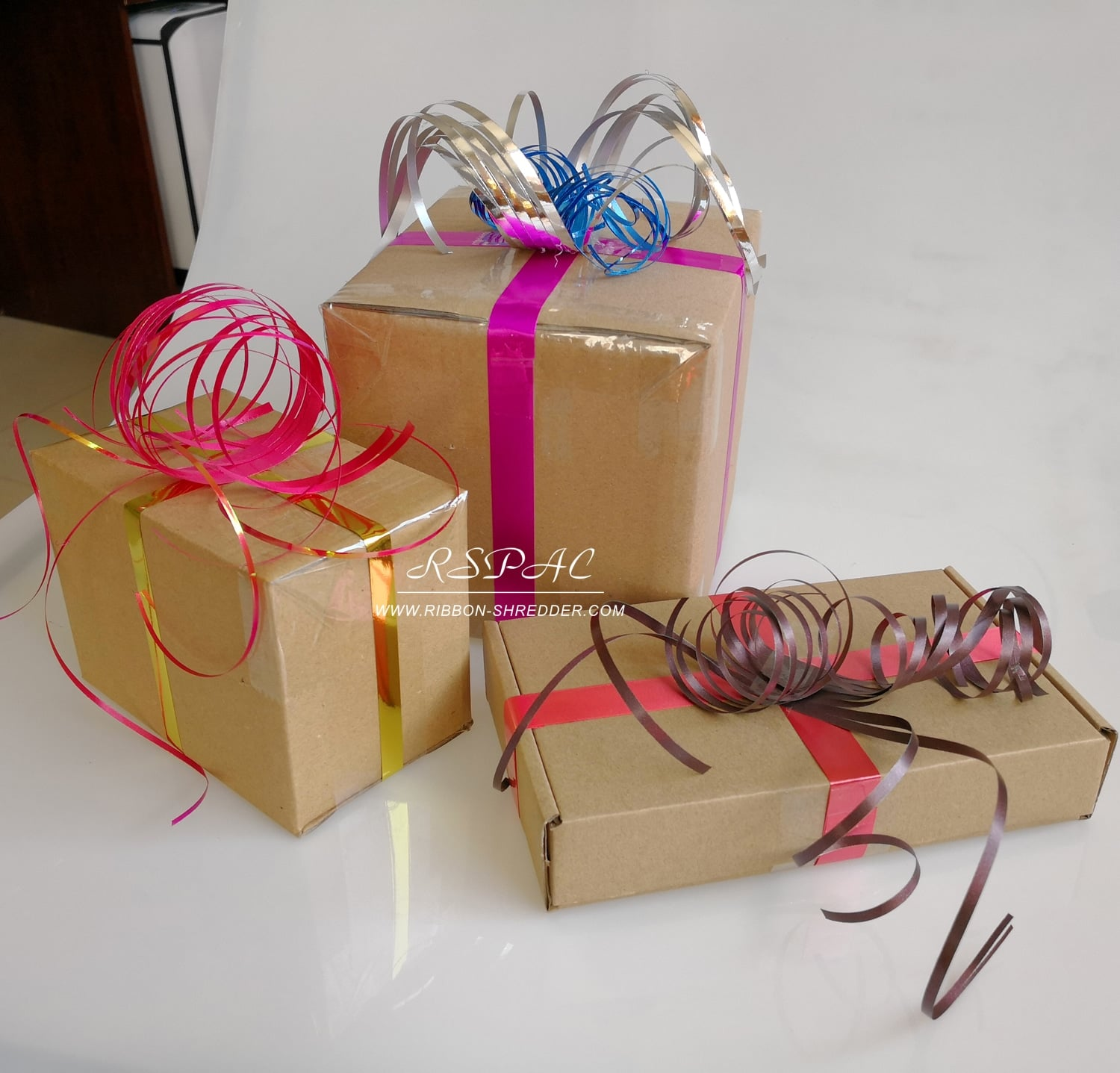 Gift-Wrapping-Idea-for-Christmas-Party